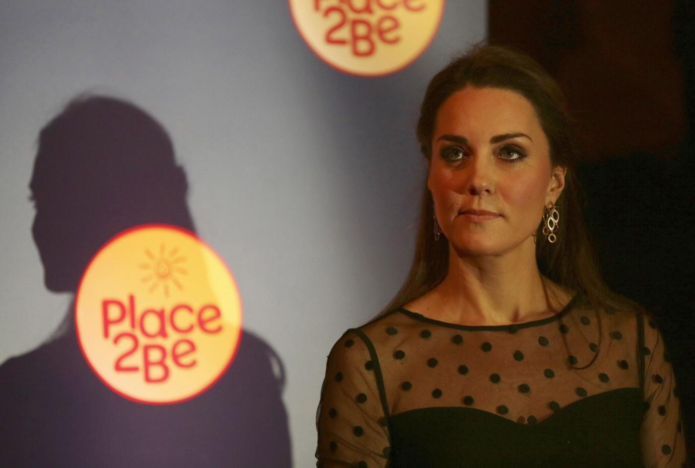 Kate Middleton ad evento benefico: il pancino si comincia a vedere10