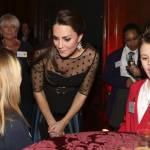 Kate Middleton ad evento benefico: il pancino si comincia a vedere06