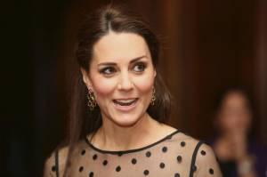 http://www.ladyblitz.it/celebrity-2/emma-marrone-tubino-nero-e-tacchi-che-stile-foto-1596599/