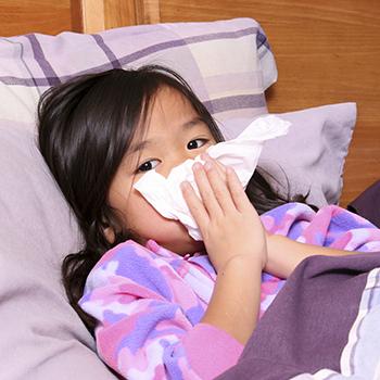 Raffreddore nei bimbi, ecco qual è la cura migliore