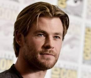 """Chris Hemsworth, per la rivista People è """"l'uomo più sexy del mondo"""" (FOTO)"""