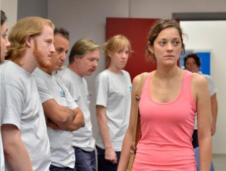 """""""Due giorni, una notte"""" trailer: guerra a lavoro nel film con Marion Cotillard"""