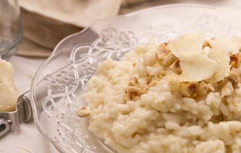 Ricette di primi: risotto con Castelmagno e nocciole