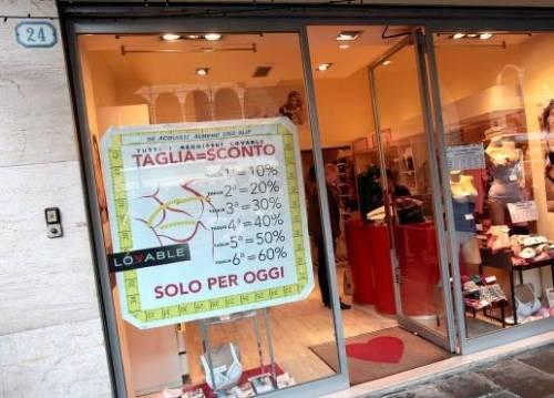 """Padova, """"Più seno hai, meno paghi il reggiseno"""": trovata del negozio intimo"""