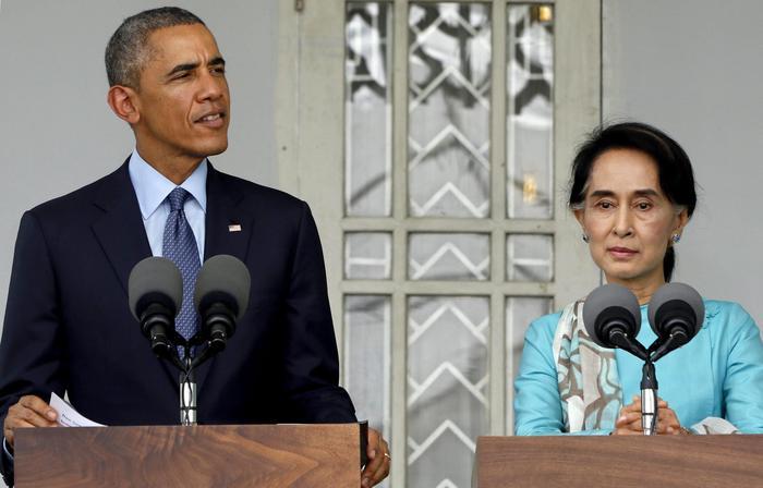 Obama incontra Aung San Suu Kyi. La leader birmana appare invecchiata e stanca06