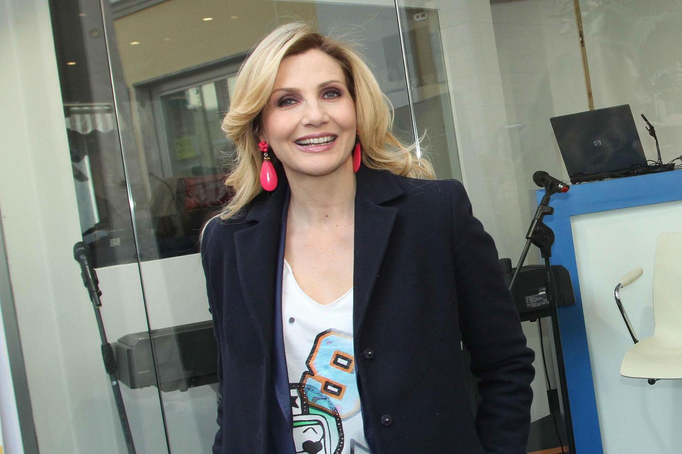 """Lorella Cuccarini torna alla musica. Nuovo album """"Nemicamatissima"""""""