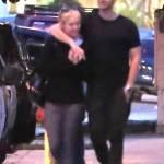 Miley Cyrus, passeggiata romantica col nuovo fidanzato Patrick Schwarzenegger12