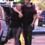 Miley Cyrus, passeggiata romantica col nuovo fidanzato Patrick Schwarzenegger10