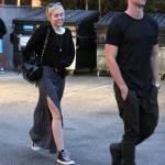 Miley Cyrus, passeggiata romantica col nuovo fidanzato Patrick Schwarzenegger09