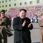 Corea del Nord, Kim Jong-un accanto a centinaia di donne commosse 4