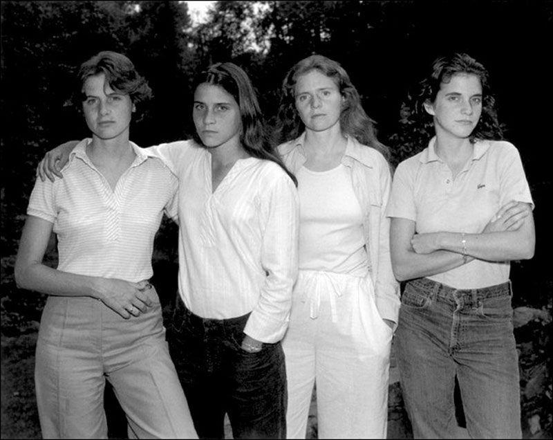 Quattro sorelle, stessa posa per 40 anni: scatti finiscono al MoMa di New York 21