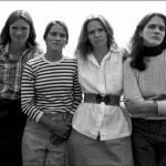 Quattro sorelle, stessa posa per 40 anni: scatti finiscono al MoMa di New York 03