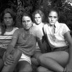 Quattro sorelle, stessa posa per 40 anni: scatti finiscono al MoMa di New York 04