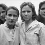 Quattro sorelle, stessa posa per 40 anni: scatti finiscono al MoMa di New York 07