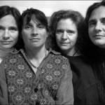 Quattro sorelle, stessa posa per 40 anni: scatti finiscono al MoMa di New York 10