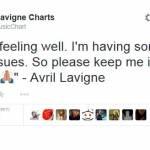 """Avril Lavigne sta male: chiede ai fan di """"pregare per lei"""""""