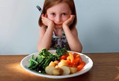 Alimentazione e bimbi, uno su tre mangia poca verdura e pesce