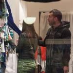 Carlos Tevez, shopping a via Montenapoleone con la moglie Vanesa06