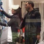 Carlos Tevez, shopping a via Montenapoleone con la moglie Vanesa4