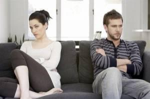 10 frasi che le donne pensano ma non dicono agli uomini