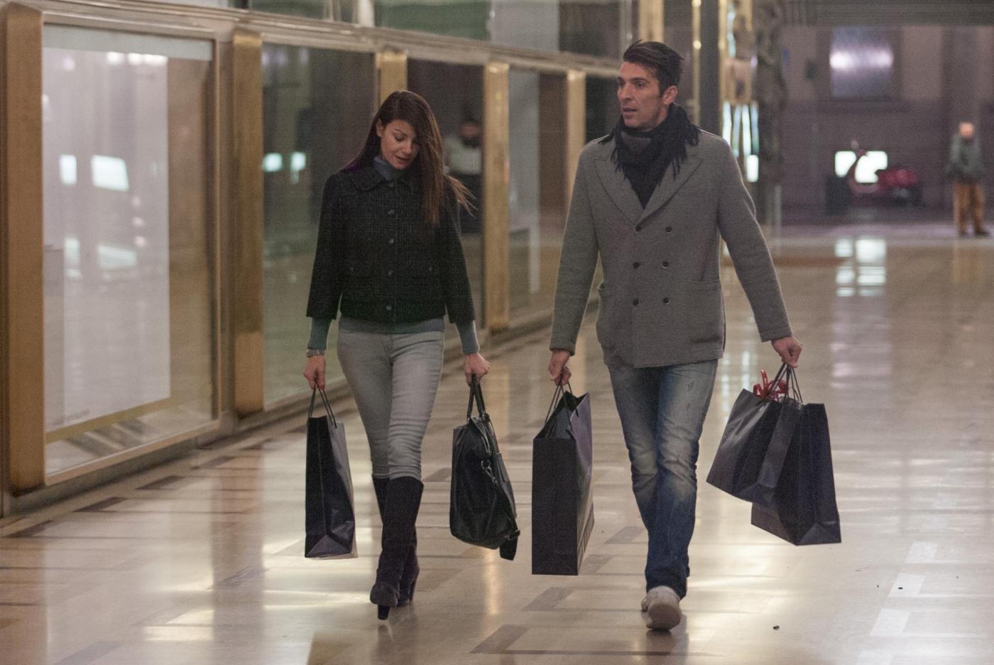 Ilaria D'Amico, Gigi Buffon: spuntino e shopping03