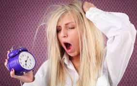 Relazioni, sonno, postura: le 7 abitudini che ci fanno male