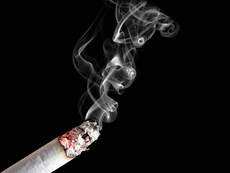 Fumo cancella cromosoma Y. Ecco perché uomini più a rischio tumore