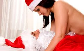 """Natale, periodo in cui si tradisce di più. La scusa: """"Esco a farti il regalo"""""""