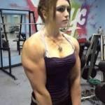 Julia Vins, la bodybuilder russa di 18 anni col viso da bambola 02