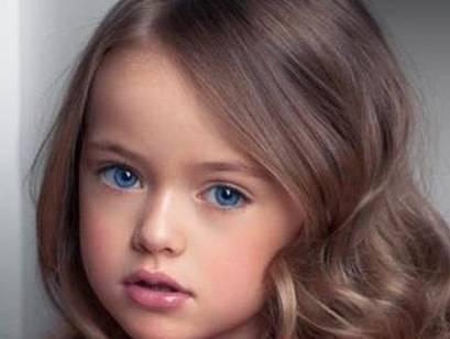 Kristina Pimenova, la modella più bella del mondo... ha 9 anni - VIDEO