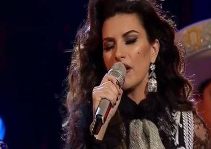Laura Pausini a La Voz México: duetto con Pepe Aguilar VIDEO