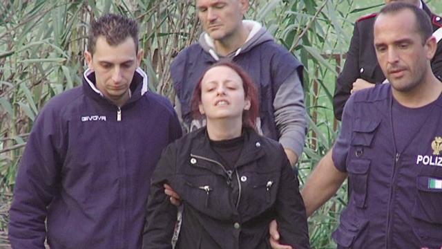 Andrea Loris Stival, mamma Veronica indagata: 6 contraddizioni nel racconto della donna