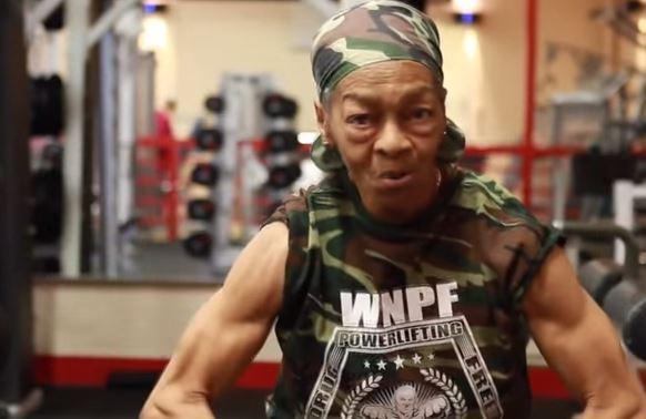 Willie Murphy, a 77 anni è campionessa di Body Building VIDEO