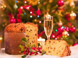 Dolci di Natale: quante calorie hanno panettone, pandoro, torrone...
