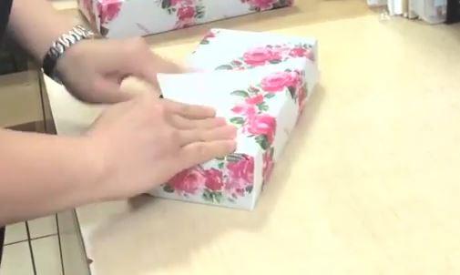 Come impacchettare un regalo in 15 secondi VIDEO