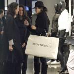 Rocio Munoz Morales, lo shopping prima di Sanremo 05