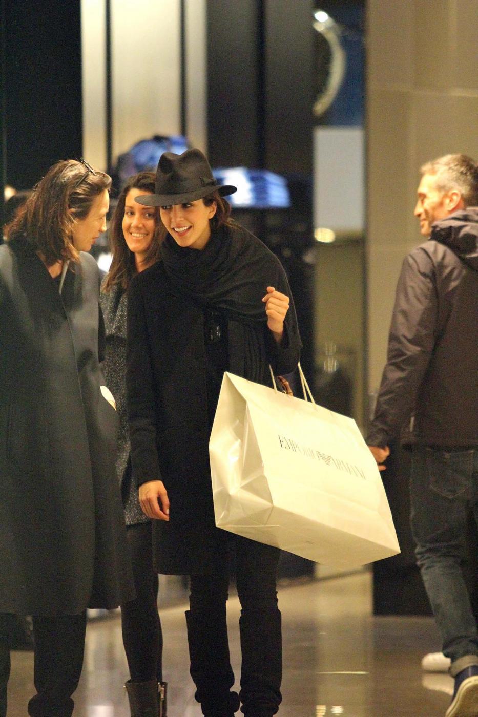 Rocio Munoz Morales, lo shopping prima di Sanremo 06