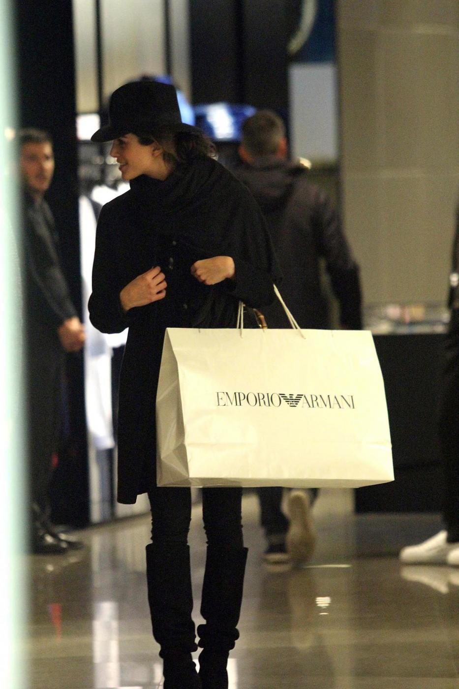 Rocio Munoz Morales, lo shopping prima di Sanremo 015