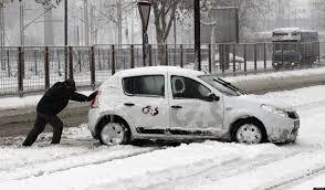 Neve e gelo, come andare in auto? Alcuni consigli