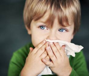 Allergie per un bambino su quattro. Un aiuto dai probiotici