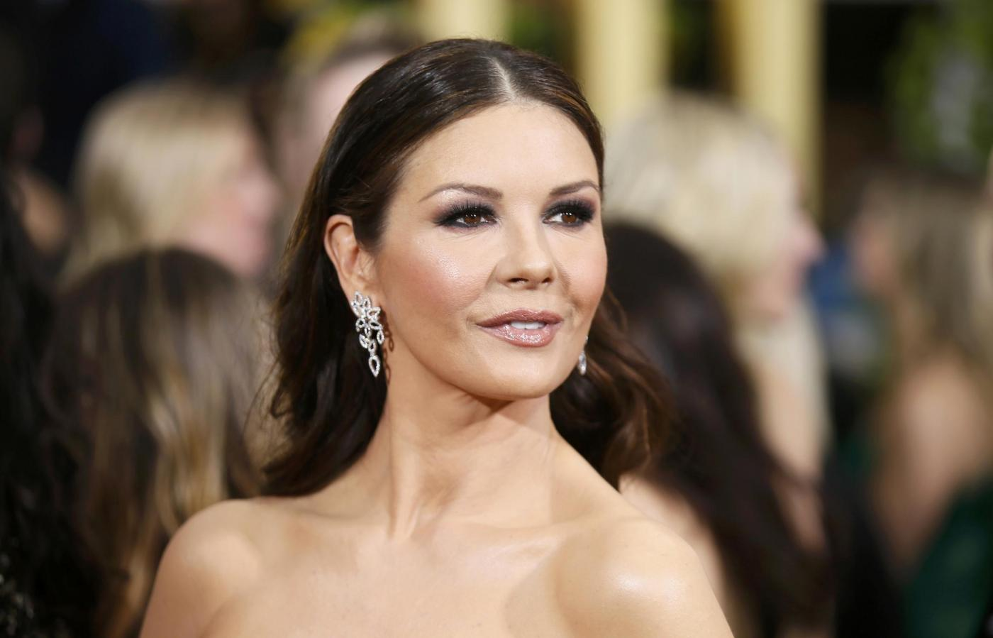 Catherine Zeta Jones, viso ritoccato dal botox ai Golden Globe '02