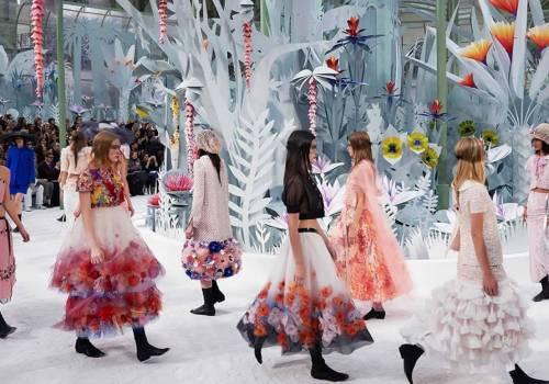Parigi, Chanel: paradiso bucolico per l'Haute Couture 2015