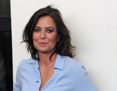 """Sabina Guzzanti contro Maria De Filippi: """"Un male dell'umanità"""" VIDEO"""