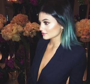 Kim Kardashian, la sorellastra Kylie Jenner si è rifatta il seno? FOTO