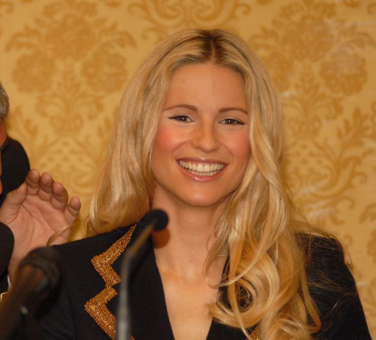 Michelle Hunziker com'era e com'è: si notano le differenze FOTO