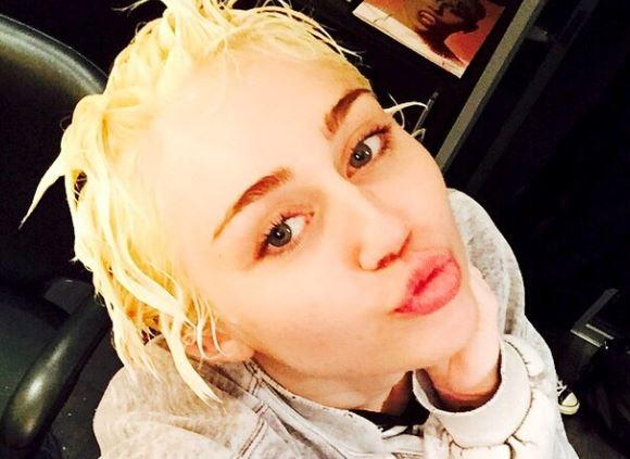 Miley Cyrus nuda su Instagram FOTO