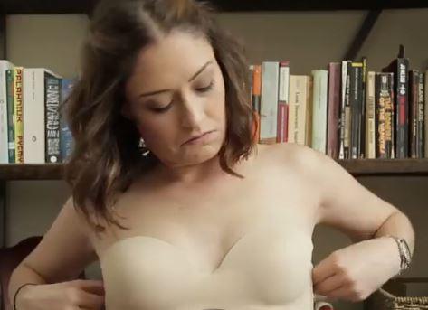 VIDEO Youtube: 17 problemi che le donne hanno quando si vestono