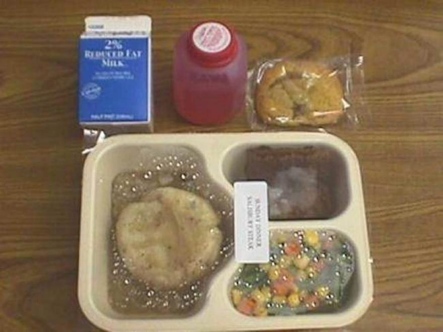 #thanksmichelle: l'hastag che mostra come si mangia male a scuola negli Usa4
