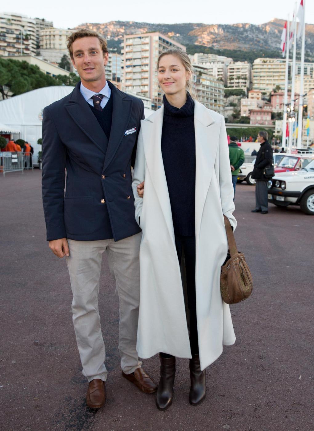 Beatrice Borromeo e Pierre Casiraghi sposi a luglio: il gossip scommette