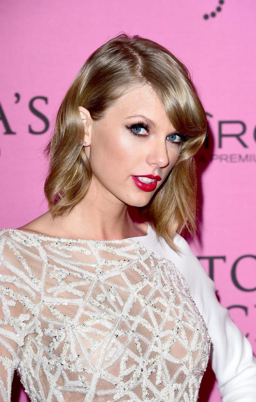 è Taylor Swift dating qualcuno da una direzione sito di incontri patetici